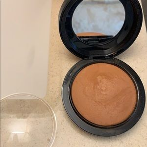 Mac Dark Deep Mineralized Skin Finish Natural